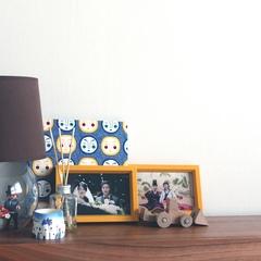 내가 가장 좋아하는 공간.  * 침대조명 : 이마트 조명(3년전) + 플레이모빌 신혼부부 (중고나라 빈티지 제품 구매)