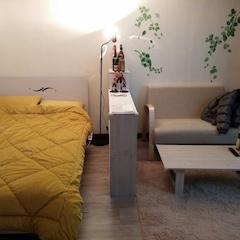 침대는 원룸에원래 잇던거고 나머지 가구나 소품들은 전부 소셜커머스 DIY