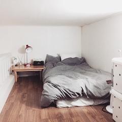 혼자사는 저의복층원룸 침실입니다! 사진은 겨울에찍은거에요~!!!