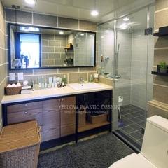 싱글의 집 답게..불필요한 안방 화장실을 없애고,넓고 다용도 목적의 화장실로 변신!